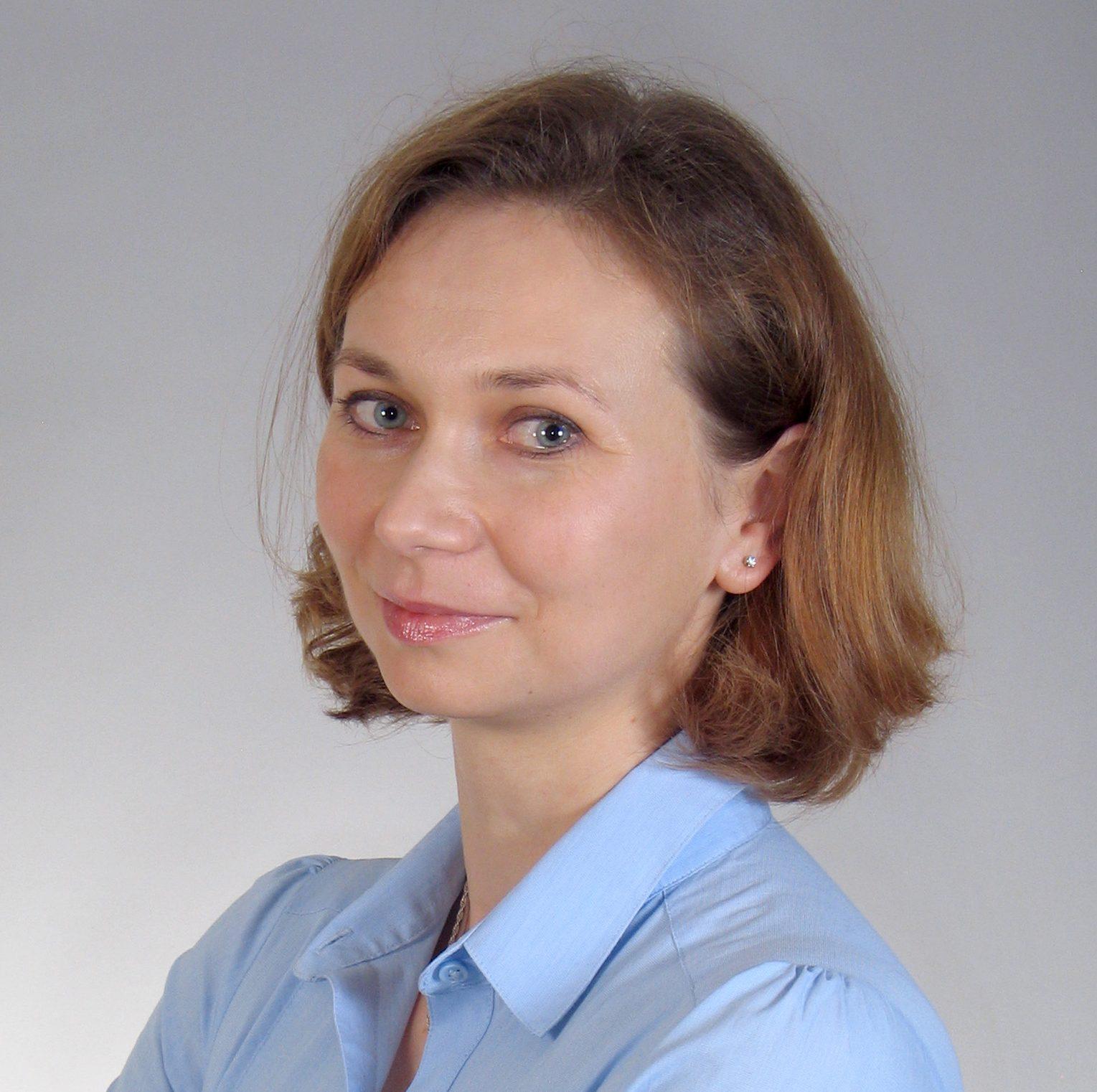 dr hab. inż. Ewa Beck-Krala